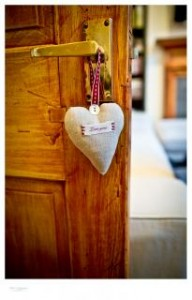 coeur accroché à la porte