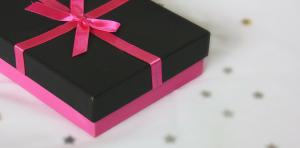 cadeau noir et rose