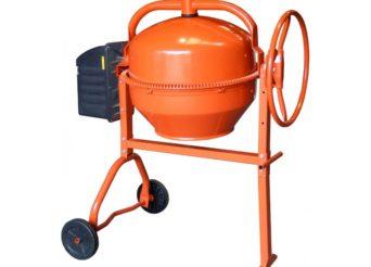 Une bétonnière de couleur orange neuve
